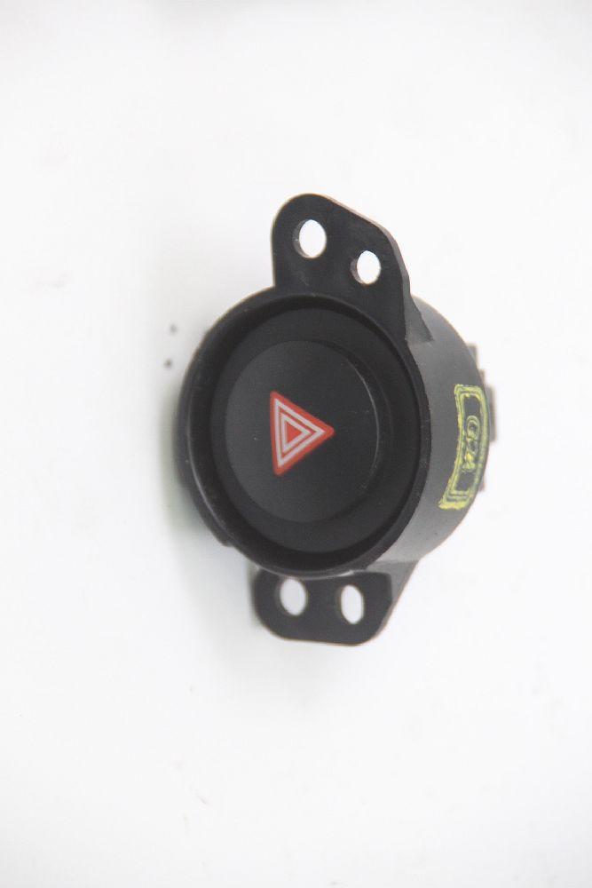 Interruptor-de-advertencia-de-peligro-para-Toyota-AYGO-2-B4-15B424-49604