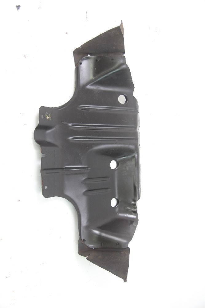 Protectora-trasera-para-Nissan-PICK-UP-D22-5081031G00-2-5-98-kW-133-HP-43960
