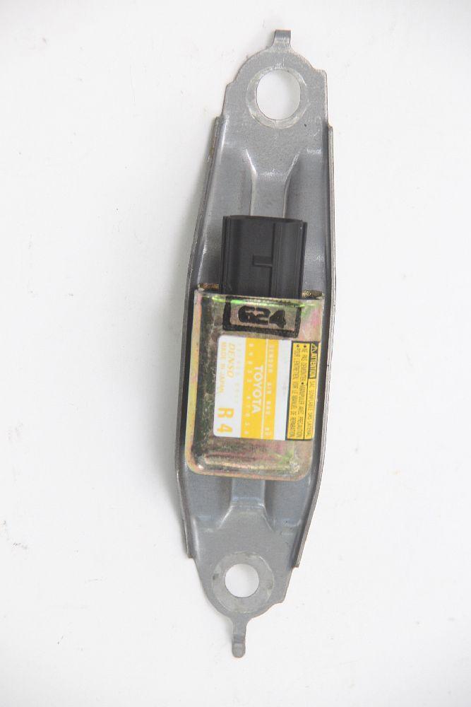 Sensor-de-airbag-trasera-derechaSensor-de-Airbag-trasera-derecha-54684